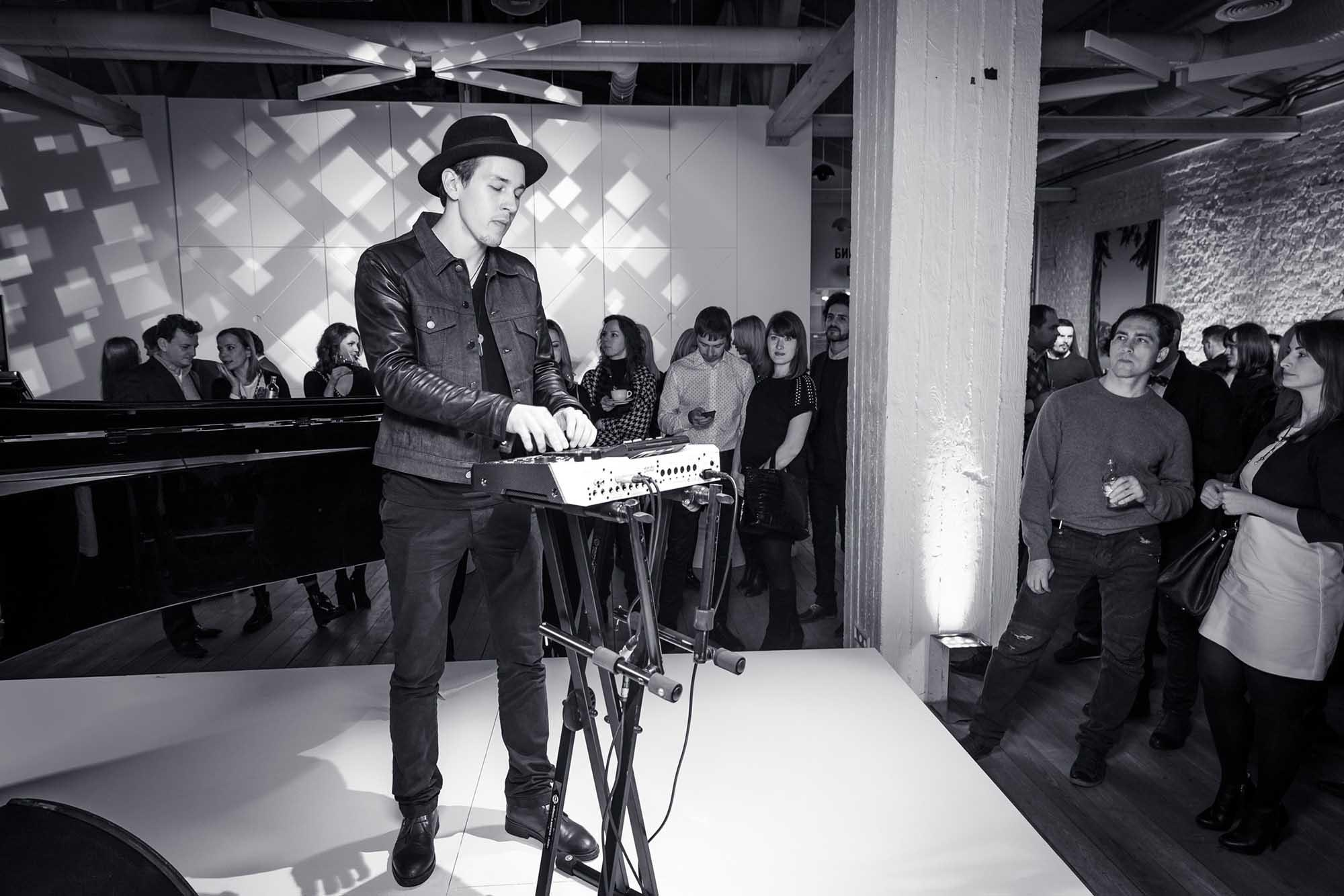 NICK4117_презентация_Event_yota_yotaphone_Urban_moscow
